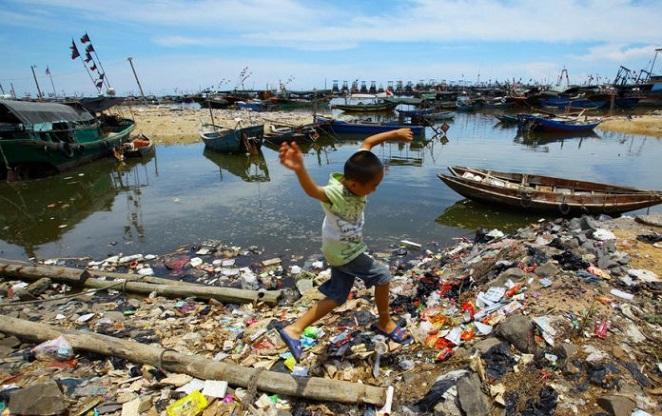 Мусор у берегов Южно-Китайского моря