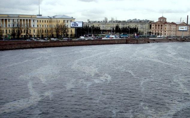 Загрязнение реки Нева