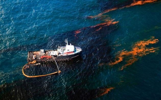 Разлив нефти