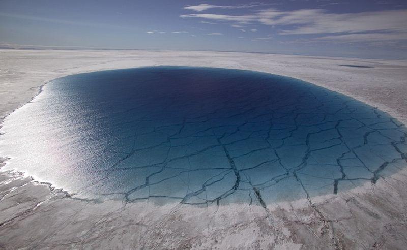 Озеро в Антарктиде