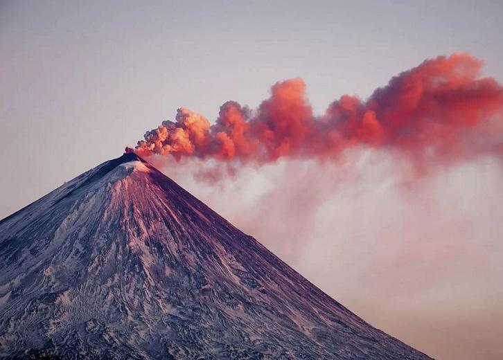 Вулкан «Авача»