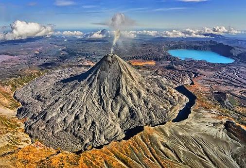 deistvuyushie-vulkany-russia